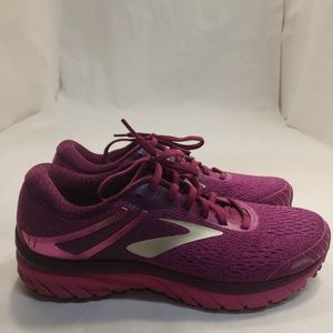 Brooks adrenaline gts 18 women's size 11